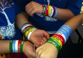 Bullying_wristbands