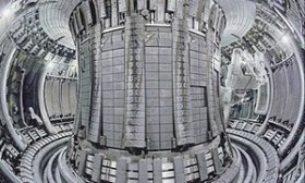The toroidal chamber-magnetic (tokamak) of the Joint European Torus (Jet)